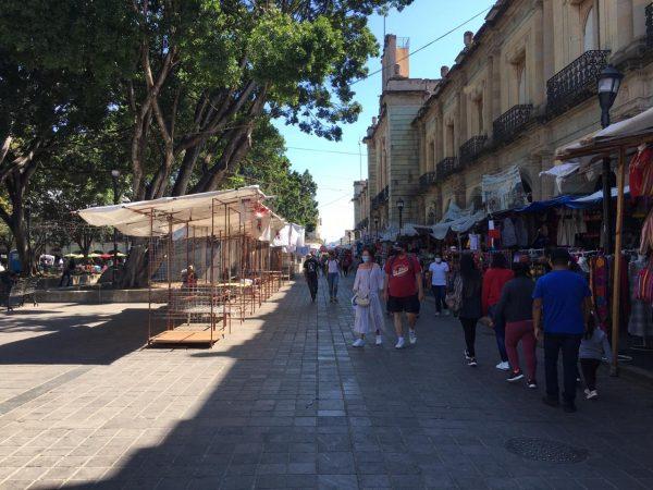 """Comerciantes retoman programa """"miércoles sin ambulantes"""" en Oaxaca"""