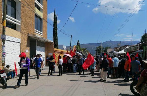 Frente 14 de junio exige construcción de 12 casetas en el Parque del Amor en Oaxaca