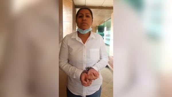 Se pelean regidores de Santa Cruz Amilpas, detienen a regidora