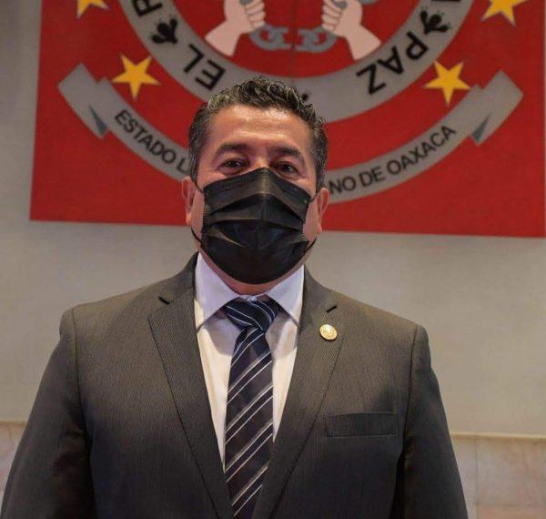 Suma de esfuerzos contra el Covid-19, pide Presidente de la Mesa directiva del Congreso, Arsenio Mejía
