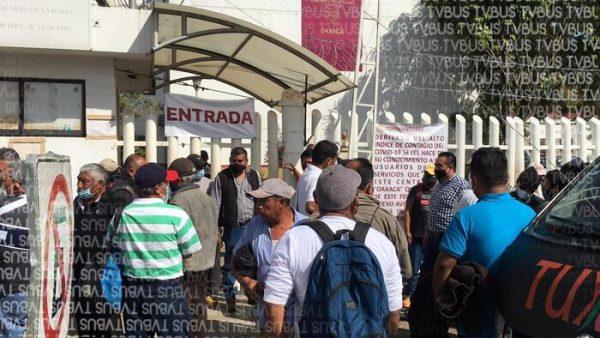 Habitantes de Valle Nacional, toman oficinas de SCT en Oaxaca