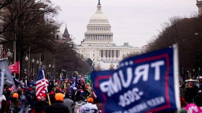 Suman 4 muertos por protestas en el Capitolio