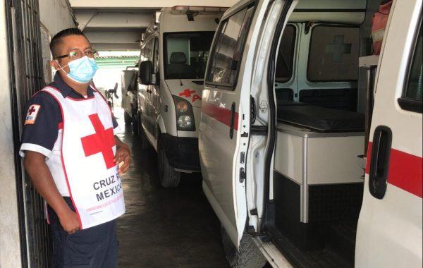 Con una ambulancia, menos voluntarios y más limitaciones, socorristas de Cruz Roja en Tuxtepec dan batalla
