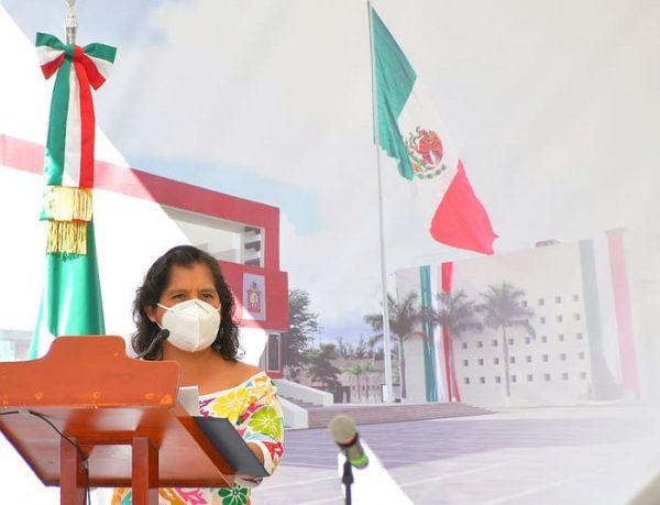 Preocupa a Laura Estrada abandono de escuelas destruidas por sismos en Tuxtepec