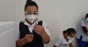 La aplicación de vacunas contra la COVID-19 en esta primera etapa es exclusiva para el personal sanitario