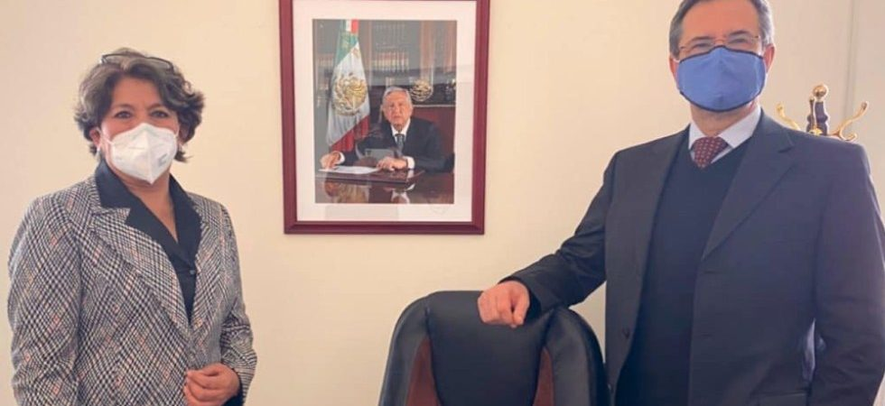 AMLO formaliza cambio en la SEP; llega Delfina Álvarez en sustitución de Esteban Moctezuma