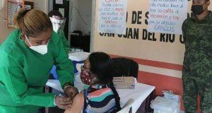 Llegan las vacunas contra covid-19 a San Juan del Rio, donde un baile detonó el contagio