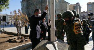 Gobernador y Presidente de Oaxaca, encabezan ceremonia del día de la bandera