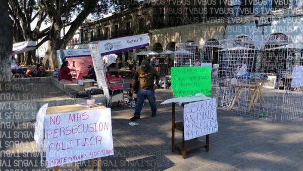 Regresa Frente Popular 14 de junio al zócalo, instalan plantón
