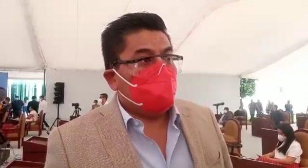 Denuncia Diputado César Morales que en domicilio particular se están aplicando vacunas contra el Covid