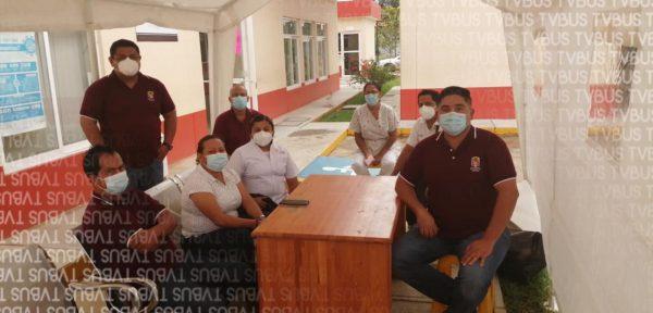 En Loma Bonita toman centro de salud, exige la salida del director