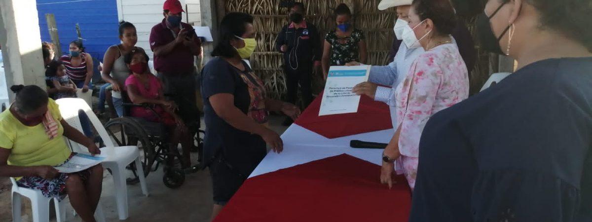 Más de 80 familias de Loma Bonita, recibieron derechos de posesión de predios