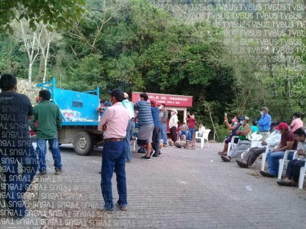 Tensión en Usila, pobladores denunciaron que policía municipal realizó disparos en bloqueo