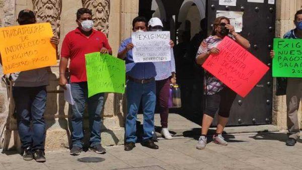 Trabajadores del ayuntamiento de Oaxaca de Juárez exigen pago de su salario