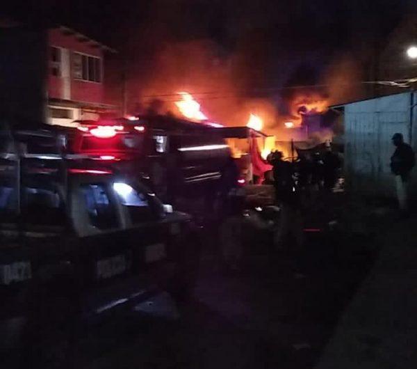 60 locales dañados por incendio en mercado central de Juchitán