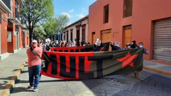 Una vez más MULT marcha en Oaxaca, exigen solución a demandas