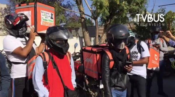 Repartidores de comida en Oaxaca se vuelven a manifestar, exigen cese al hostigamiento de policías
