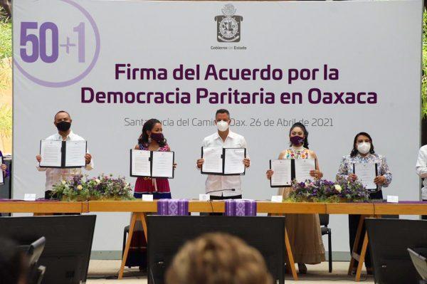 """Colectivo 50+1, Gobierno de Oaxaca y autoridades electorales, firman """"Acuerdo por la democracia paritaria en Oaxaca"""""""