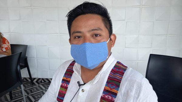 Buscan artesanos de Ojitlán impulsar sus bordados y artesanías a través de exposición