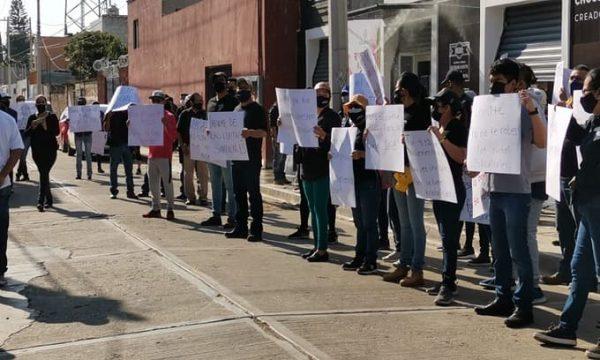 Planilla negra protesta en asamblea de delegados del STPEIDCEO, exigen renovación de comité