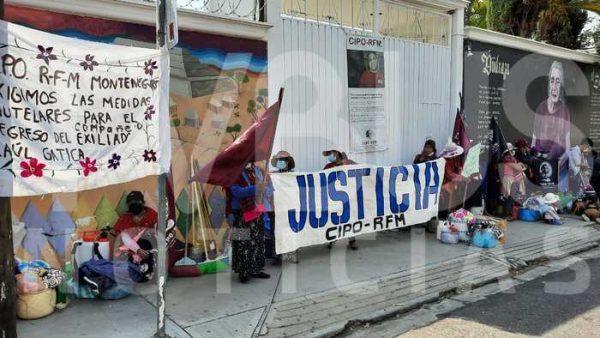 Se manifiesta CIPO-RFM en oficinas del INPI en Oaxaca, advierten instalación de plantón permanente