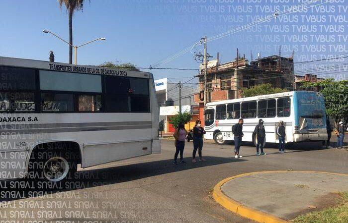 Continúan normalistas con manifestaciones, bloquearon calles de la colonia reforma en Oaxaca