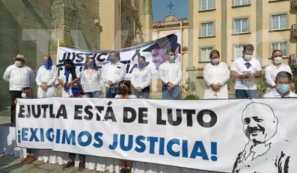 Panistas en Oaxaca marchan y exigen justicia por asesinatos de Ivonne Gallegos y Leonardo Díaz
