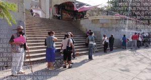 Denuncian lento avance en proceso de registro para vacunas en sede de plaza de la danza