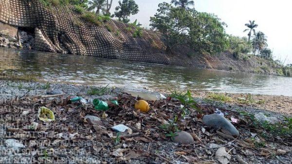Sufre río Valle Nacional de estiaje y contaminación