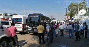 Transportistas protestan en oficinas de SCT en Oaxaca, exigen reanudación de trámites
