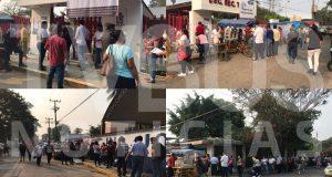 Vacunación de maestros en la Tuxtepec, provoca largas filas