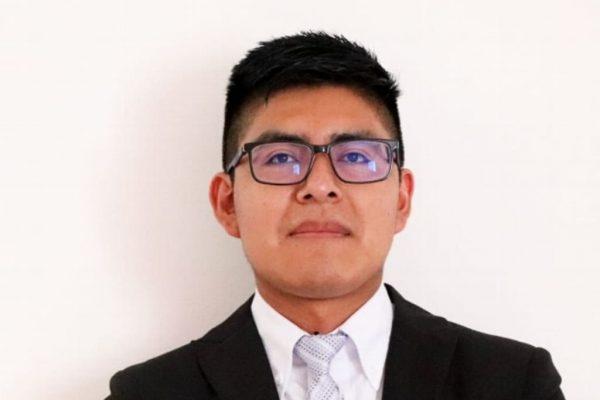 Estudiante zapoteco es becado en la Universidad de Harvard