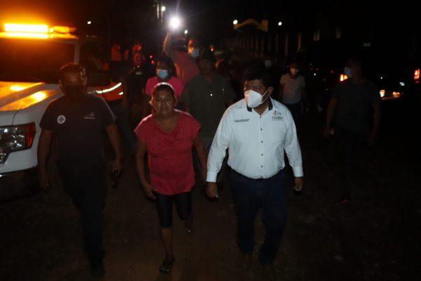 Respuesta inmediata del Gobierno de Tuxtepec a familias afectadas por viento y lluvia