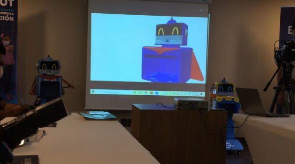 Presentan a Benebot, el robot que vigila la salud de la niñez oaxaqueña