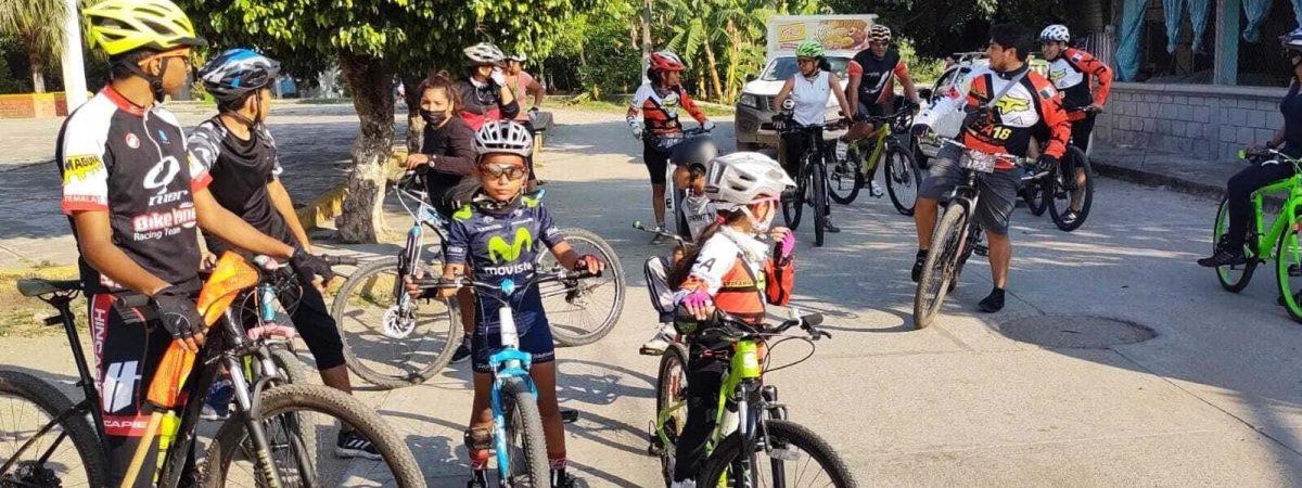 """Grupo de ciclismo """"Tochtin Biker Tuxtepec"""" realizó la 6ta rodada infantil"""