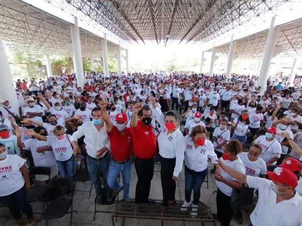 Vuelca Pinotepa, respaldo a Leyre Ramírez