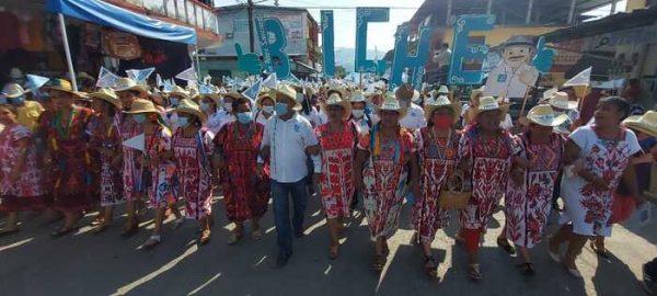 """Contundente cierre de campaña de """"El Biche"""" en Valle Nacional"""