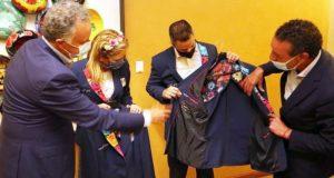 Bordados de Oaxaca, orgullo de México ante el mundo: IMM