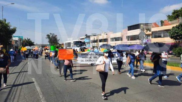 Marchan sindicalizados del poder judicial en la capital