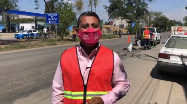 Adrián Pérez Rojas realiza campaña de bacheo en Santa Lucía del Camino