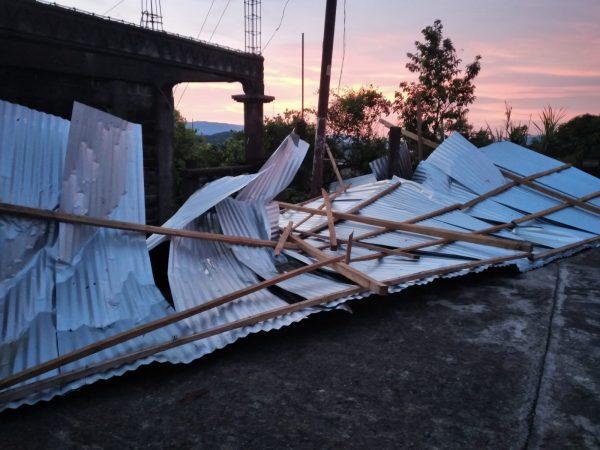 Ventarrón deja sin techo a varias familias en Cerro Armadillo Grande