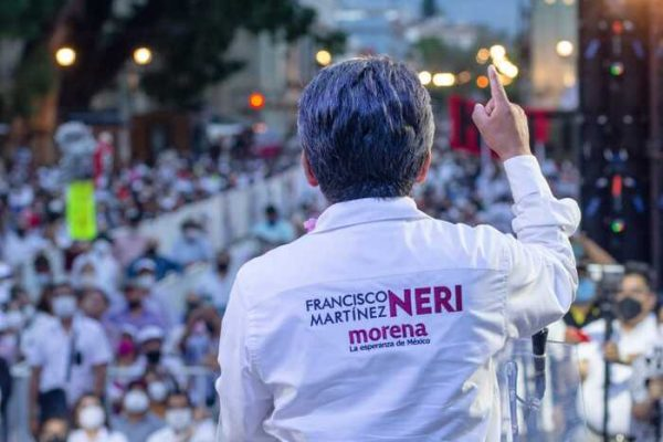 Francisco Martínez Neri realiza cierre de campaña, en medio de una gran conmoción