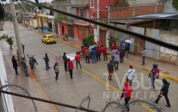 Se registra riña entre habitantes de colonia volcanes y antiguo aeropuerto por bloqueo