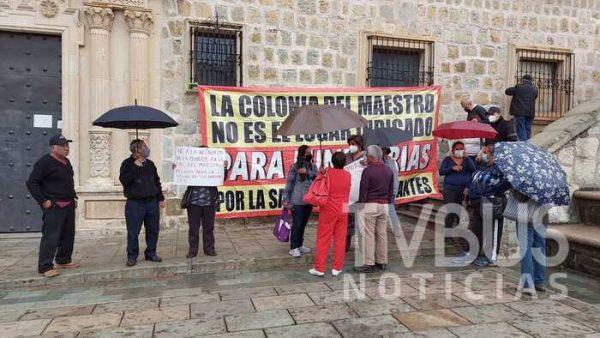Vecinos de colonia del maestro, exigen a gobierno municipal de Oaxaca retiro de funeraria