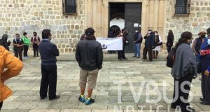 Jubilados exigen a edil de Oaxaca pago de 2 mdp, señalan que se niega