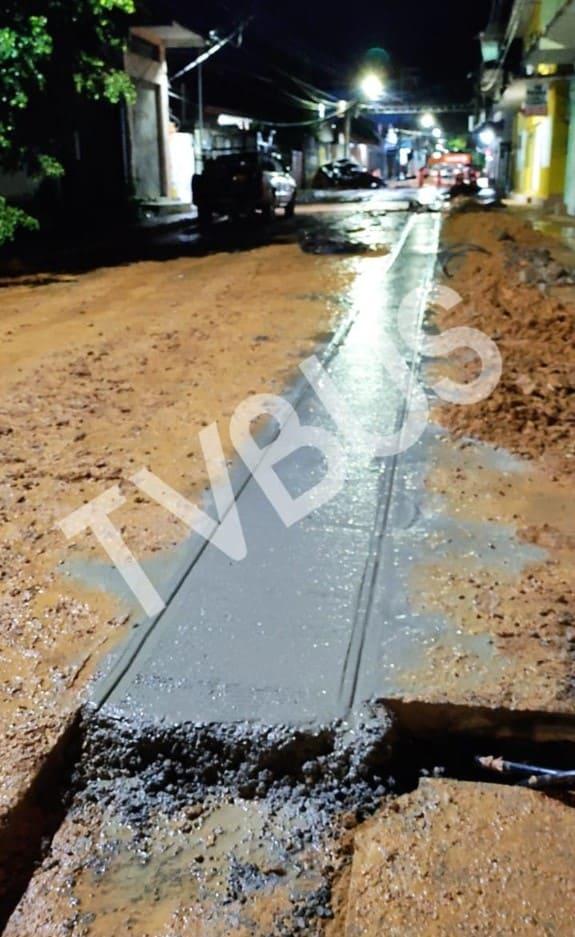 Por pavimentar en lluvia, ayuntamiento de Tuxtepec demanda al CEA pruebas de compactación