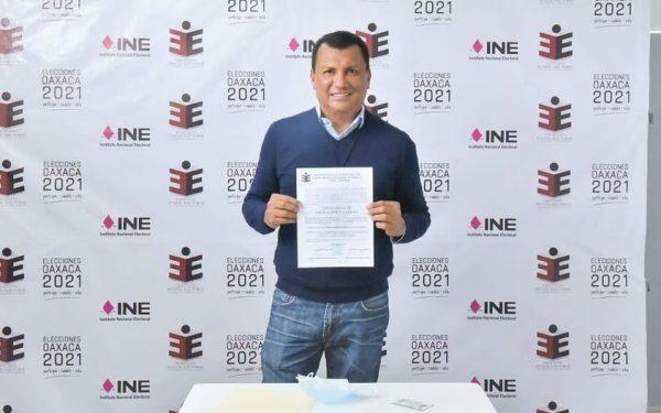 Recibe Samuel Gurrión constancia de asignación como diputado plurinominal