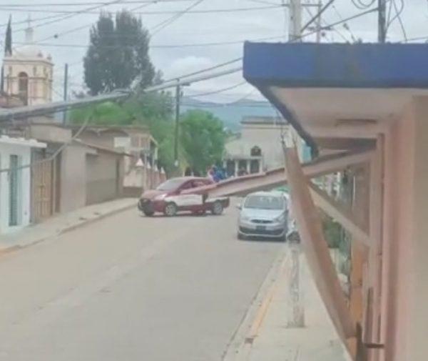 Tensión en Santiaguito Etla por presencia de grupo de choque, piden que entre la Guardia Nacional