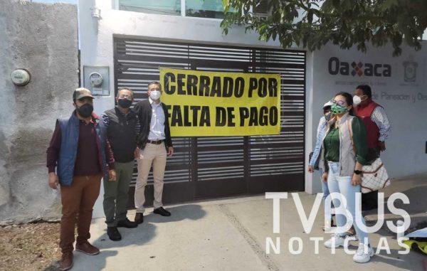Arrendatarios cumplen amenazas, cierran oficinas de los SSO por falta de pagos