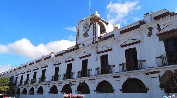 Por brote de covid cierran palacio municipal de Juchitán